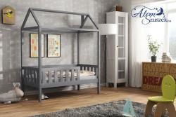 KUCKO ház alakú tömör fa leesésgátlós gyerekágy matraccal 11.Kép