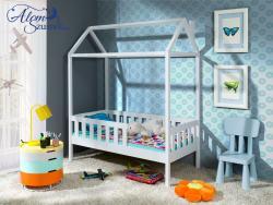 KUCKO ház alakú tömör fa leesésgátlós gyerekágy matraccal 3.Kép