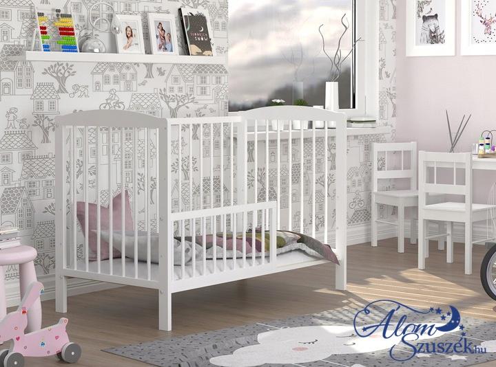 ADA cserélhető korlátos babaágy ágyneműtartóval